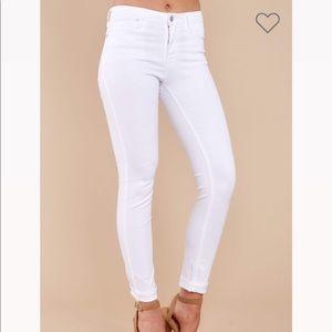NWT Basic Needs White Skinny Jeans
